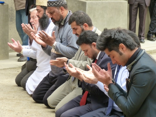 Imams Pray at Awschwitz