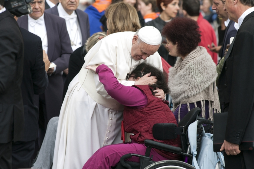 Pope Francis greeting pilgrims